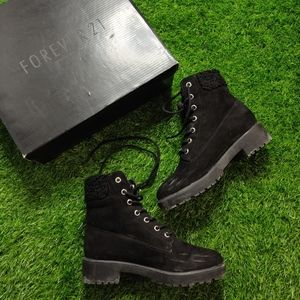 3/$20 BLACK SHERPA BOOTIES